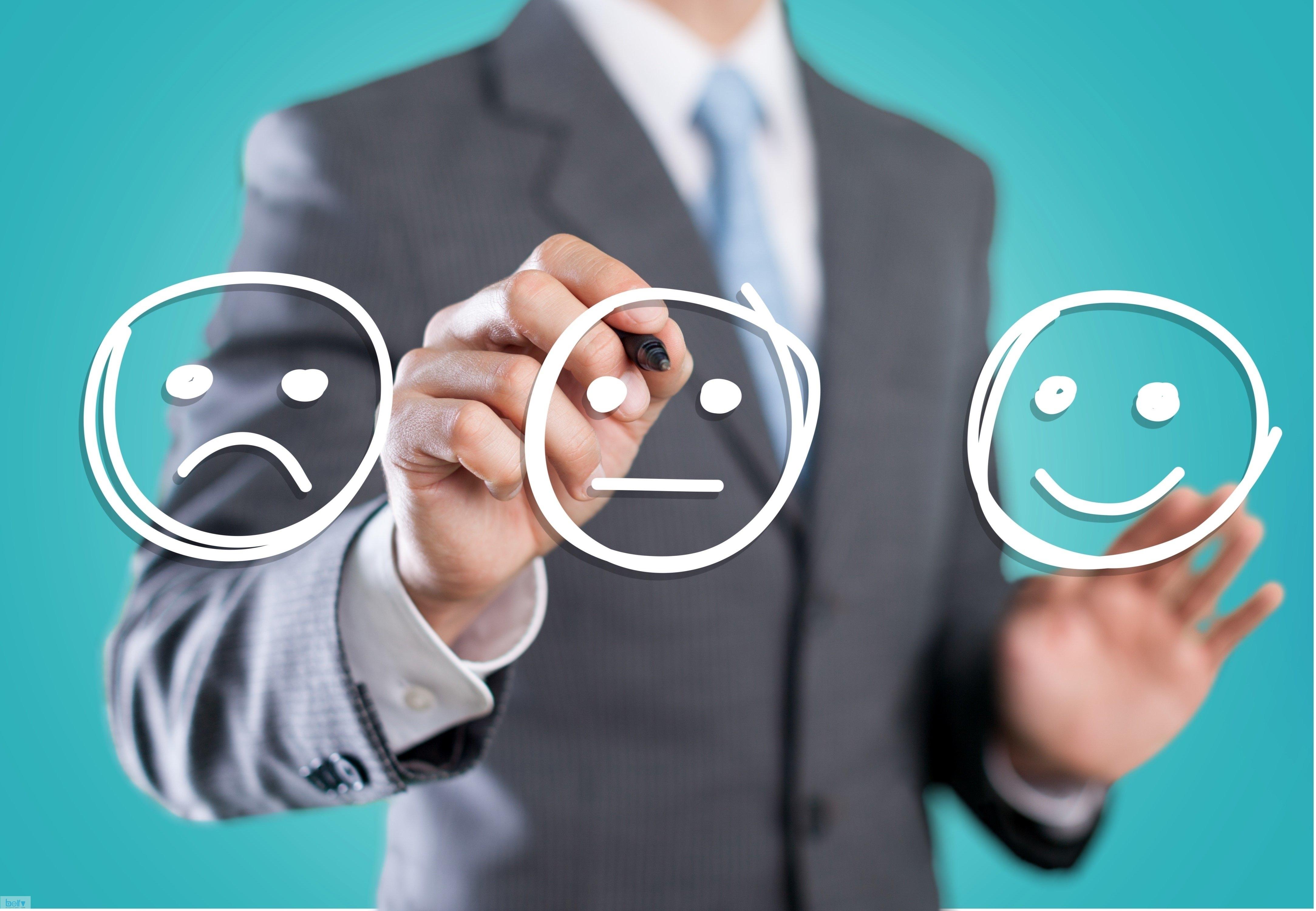 نحوه برخورد صحیح با مشتری ، چگونه با مشتری صحبت کنیم؟