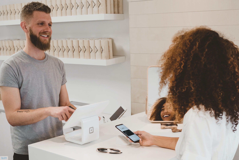 نحوه ی برخورد موثر با مشتریان